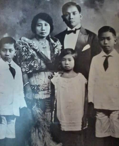 young ferdinand marcos with family
