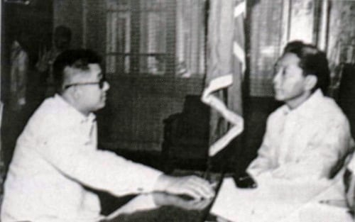 Ninoy Aquino and Ferdinand Marcos, talking in the Presidential Study before Martial Law