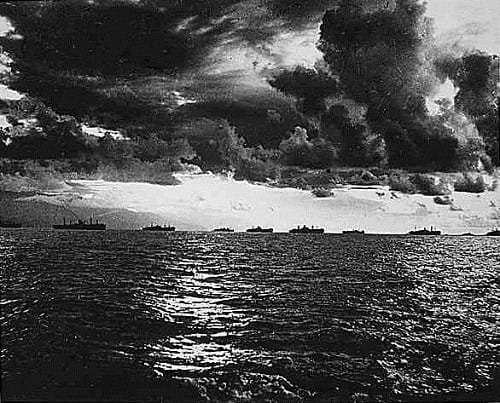 US Armada moving towards Leyte Island