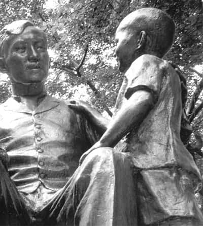 Jose Rizal statue with children