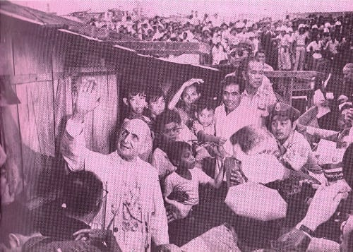 Pope Paul VI visits the slums of Tondo, Manila on Nov. 29, 1970