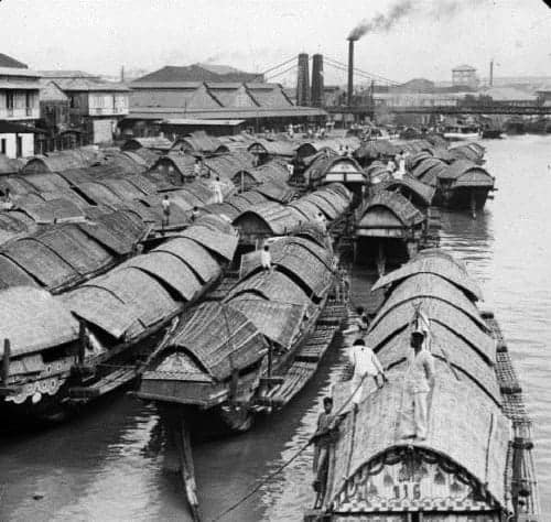 Cascos in Pasig River