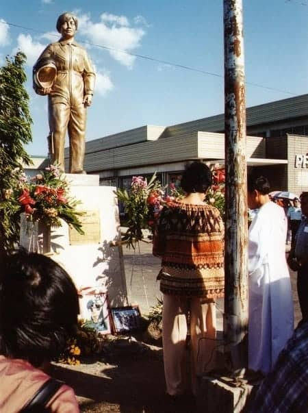 Memorial statue of Mary Grace Baloyo erected by the Bacolod City Government.