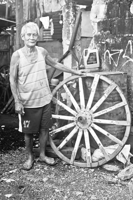 kalesa-wheelwrights-or-wooden-wheel-makers